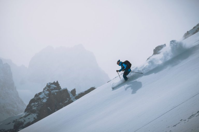 Freeride techniques masterclass for skiers